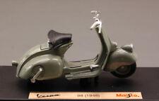 Vespa 98 1946 Mouse Grey Piaggio 1:18 Model 3132G MAISTO
