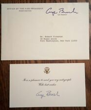 GEORGE H.W. BUSH AUTOGRAPH - SIGNED WHITE HOUSE CARD W/ VICE PRESIDENT ENVELOPE