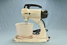 Vintage SUNBEAM MIXMASTER PINK MODEL 12 with BOWL RUNS GOOD 12 SETTINGS #00474