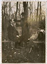 PHOTO ANCIENNE - COUPLE COIFFURE TENDRESSE FORÊT - HAIRDRESSER -Vintage Snapshot