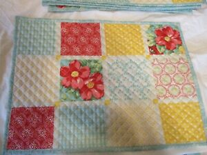 The Pioneer Woman Vintage Floral Placemat Set of 6 Quilted Excellent Condition