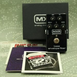 MXR M82 Bass Envelope Filter With original box Guitar effect pedal (AB36L865)