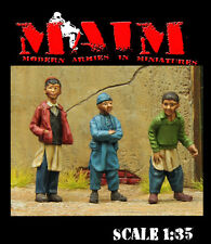 Young oriental Boys (3 Figures) / 1:35 scale resin model kit