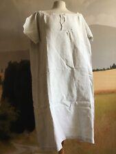 Chemise de nuit en lin ancienne taille 42/44/46 en très bon état.