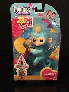 NEW Fingerlings Blue Baby Monkey Party Exclusive New Very HTF Fiesta Gold Hat