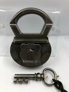 Antikes Trickschloss mit Schlüssel, Seltenheit Padlock, Ende 17JH