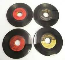 MIXED LOT OF 40 45 RPM RECORDS FROM LATE 1960'S IN GOOD TO VERY GOOD CONDITION