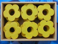 Holzblumen Holzblüten Lochblumen gelb 4 cm [ 2 Holzboxen = 96 Stück ]