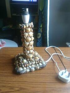 Vintage Kitsch Shell Art Lamp Base.