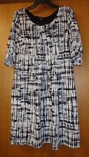 Woman's sz L - Black & Ivory White knit DRESS - Perceptions - Pleat-tuck front
