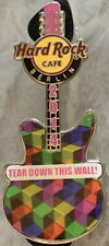 Hard Rock Cafe Berlin 2014 Famous Mots Guitare - Larme Bas This Mural Broche