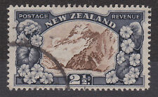NEW ZEALAND 1935-36 2½d P.13½x14 SG 560b FINE USED.