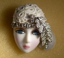 LADY HEAD woman FACE Porcelain-Look Resin brooch pin Figural Vintage crochet RS