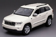 2011 JEEP GRAND CHEROKEE LAREDO White 1:24 DIECAST CAR MODEL BY MAISTO