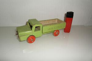 Alter LKW aus Holz Molkerei Lastwagen DDR Holzspielzeug Vintage Oldschool