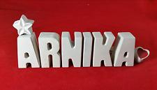 Beton, Steinguss Buchstaben 3D Namen Schriftzug ARNIKA als Geschenk verpackt