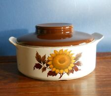 """A J & G Meakin Studio ironstone 7"""" casserole dish with lid in """"Sunflower"""""""
