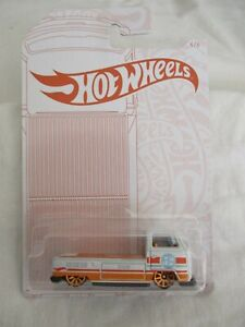 Hot Wheels 2020 Pearl and Chrome Gold Cars Volkswagen T2 Pickup, Sealed n Card