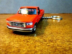RED 1992 FORD F-150 PICKUP TRUCK KEY CHAIN 1/64 SCALE