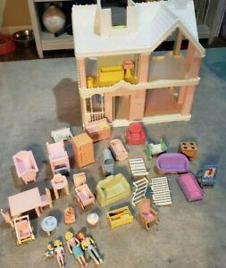 Vintage 1991 Playskool Victorian Dollhouse w/ Accessories. Incomplete