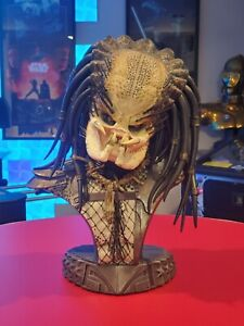 Sideshow Predator Jungle Hunter Exclusive Legendary Scale Bust #304/500