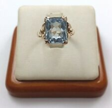 Lovely 14K Karat Solid Yellow Gold Vintage Ring with Topaz - Nice!