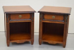 PAIR OF GEORGIAN MAHOGANY BEDSIDE CABINET TABLES NIGHTSTAND