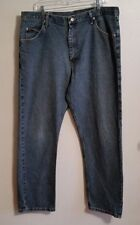Men's Wrangler comfort DENIM jeans straight leg pants 40 waist X 32 inseam