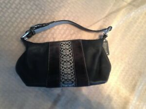 Small Black Leather Classic C Pattern Coach Bag