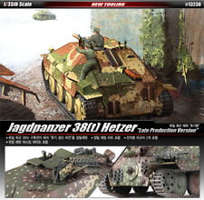 ACADEMY 1/35 Plastic Model Kit Jagdpanzer 38T Hetzer Tank Late Product #13230