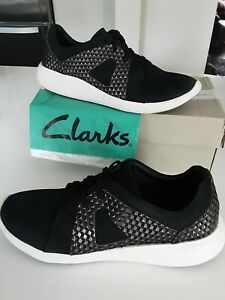 Clarks Artisan 'Cushion Max' Black Nubuck Lace Up Casual Trainer size 7 D