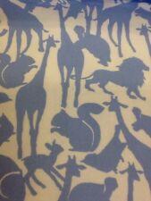 Michael Miller ANIMAL SILHOUETTES sur flanelle bleu par la moitié mètre