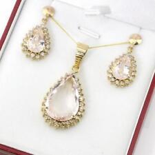 Collar de joyería con gemas de turmalina