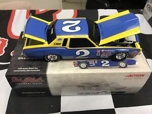 Dale Earnhardt #2 Action 1:24 1979 Rookie Of The Year Monte Carlo Black W Bank