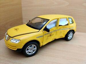 1:18 Volkswagen Touareg Crashtest Model