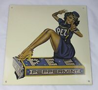40 x 40 cm  PEZ Pinup Girl  Emailleschild - Klassiker - enamel shield Logo