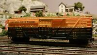 Walthers HO  40' Stock Car, Chicago North Western, Upgraded, exc.