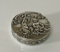 Superb Victorian 1901 London Import Hallmarked Silver Cherub Pill Box 14.9g