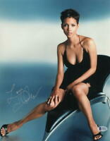 HOT SEXY HALLE BERRY SIGNED 11X14 PHOTO AUTHENTIC AUTOGRAPH BECKETT COA S