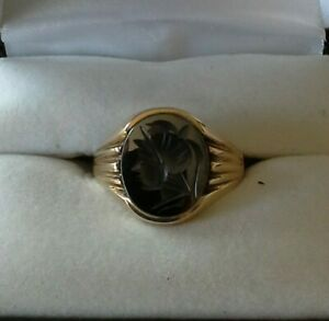 9ct Gold and HAEMATITE INTAGLIO Gents Signet Ring Size - S