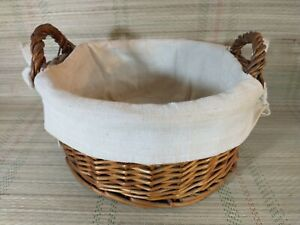"Round Wicker Basket With Hessian Insert / Liner - Fruit - Display - 10"" Diameter"