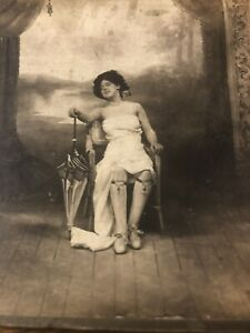 stereoscope card Naughty 1890's Lady Fan Victorian Ladies Nyc Stockings Parasol