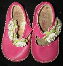 baby girls Dark Pink Shoes white flowers on strap size 4 Flexible cute