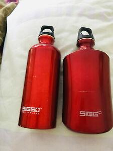 2 orig. SIGG SWITZERLAND Alu Trinkflaschen 0.6 l - mod. Traveller in rot