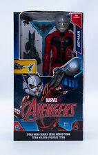 Hasbro B6148 Marvel Avengers Ant-Man Actionfigur 30 cm. inkl. Waffe und Ameisen