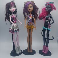 Monster High Boo York Out of Tombers 3 Doll Set Draculaura Catty Noir Clawdeen