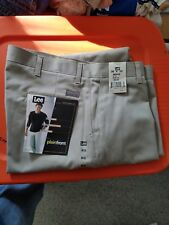 LEE Wrinkle Free Plain Front Khaki Pants Relaxed Seat & Thigh 38 X 32 NWT