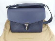 635ce8aa3d22e Burberry Kleine Crossbody Tasche aus Leder mit perforiertem Logomuster   NEU