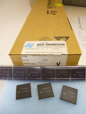 2 pieces ST90R30 C6 ROMLESS HCMOS MCU w. A/D CONVERTER 90T30 ST9030 NEW