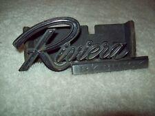 Buick Riviera 79-85 Grill emblem w/ backing 1261386